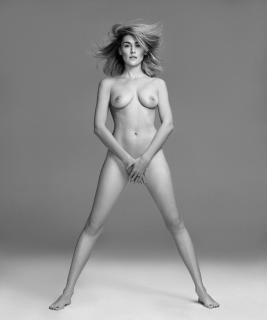Marta Nieto en Harpers Bazaar Desnuda [980x1171] [81.25 kb]