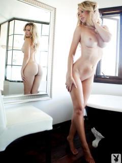 Tiffany Toth en Playboy Desnuda [900x1200] [86.57 kb]