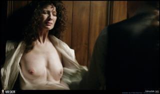 Caitriona Balfe en Outlander Desnuda [1940x1140] [336.39 kb]