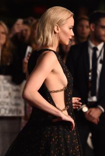 Jennifer Lawrence [2755x4080] [923.32 kb]