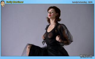 Emily Mortimer [952x597] [46.13 kb]