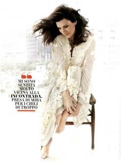 Laura Pausini en Vanity Fair [900x1204] [89.37 kb]