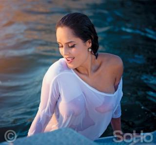 Ana Lucía Domínguez en Soho Desnuda [600x555] [62.04 kb]