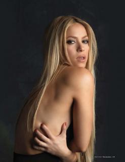 Shakira [791x1024] [83.49 kb]