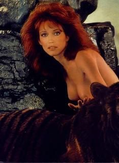 Tanya Roberts en Playboy Desnuda [955x1303] [225.46 kb]