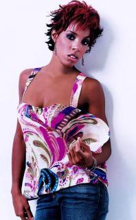 Kelly Rowland [550x887] [69.03 kb]