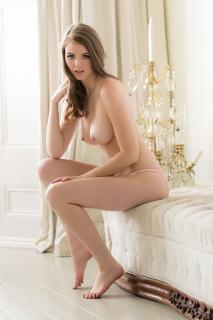 Rosie Danvers Desnuda [1000x1500] [245 kb]