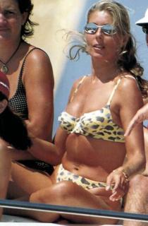 Marta Chávarri in Bikini [460x700] [47.48 kb]