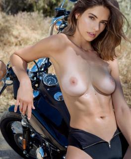 Lis Giolito en Playboy Desnuda [1164x1407] [274.64 kb]