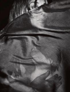 Monica Bellucci en Lui Magazine [1222x1600] [453.33 kb]