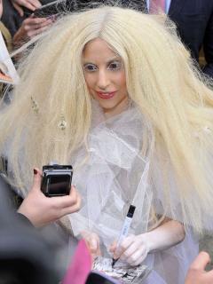 Lady Gaga [675x900] [205.66 kb]