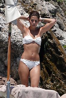 Coral Simanovich in Bikini [2390x3500] [1255.68 kb]