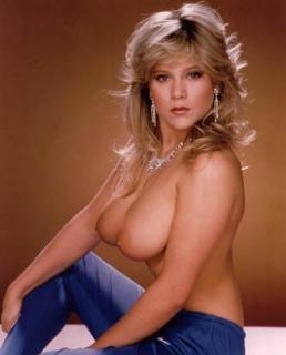 Samantha Fox en Playboy Desnuda [372x461] [18.52 kb]