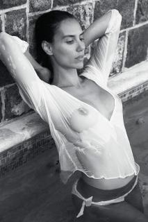 Elisa Meliani en Yume Magazine Desnuda [1140x1710] [446.96 kb]