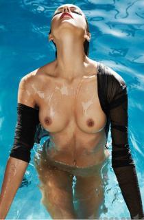 Amanda Pizziconi Desnuda [709x1080] [85.38 kb]