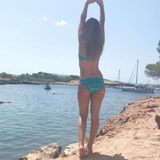 Natalia Rodríguez in Bikini [1080x1080] [201.38 kb]