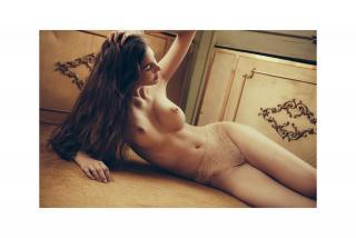 Lina Lorenza Desnuda [2480x1660] [513.43 kb]