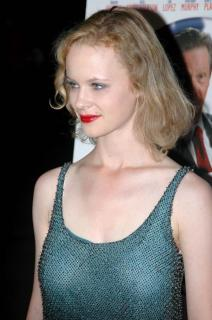 Thora Birch [681x1024] [103.41 kb]