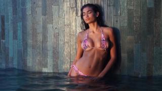 Kelly Gale en Si Swimsuit 2017 [1920x1080] [271.72 kb]