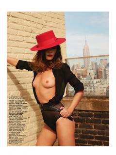 Virginie Ledoyen en Lui Magazine Desnuda [1160x1547] [370.08 kb]