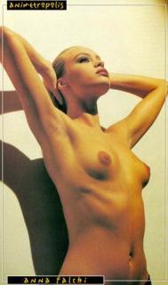 Anna Falchi Desnuda [267x450] [21.91 kb]