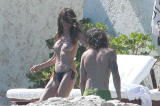 Heidi Klum in Topless [959x636] [150.09 kb]