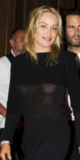 Sharon Stone [800x1599] [87.12 kb]