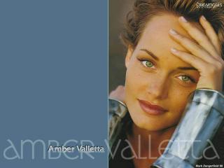 Amber Valletta [1024x768] [79.27 kb]