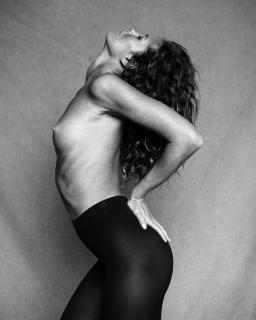 Valeria Lakhina Desnuda [1280x1599] [474.14 kb]