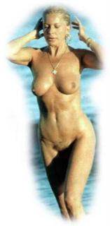 Bárbara Rey en Topless Desnuda [295x600] [17.92 kb]