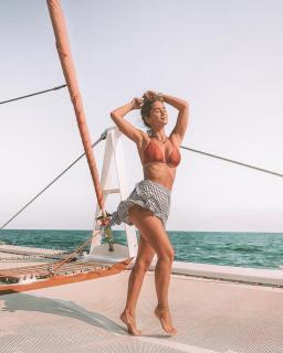 María Pombo in Bikini [1080x1350] [330.24 kb]