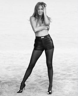 Jennifer Aniston [2663x3263] [760.19 kb]