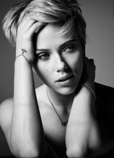 Scarlett Johansson en Cosmopolitan [1153x1602] [416.67 kb]