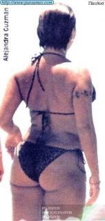 Alejandra Guzmán en Bikini [294x616] [26.34 kb]