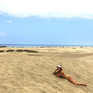 Lorena Castell en Bikini [1080x1080] [155.3 kb]