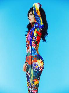Kylie Jenner [980x1325] [295.25 kb]