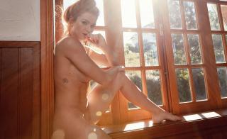 Renata Longaray en Playboy [1400x861] [222.23 kb]