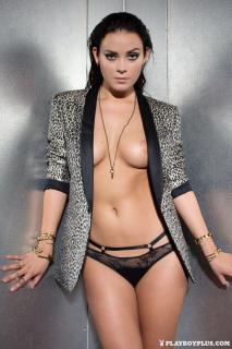 Alexandra Tyler en Playboy Desnuda [683x1024] [228.83 kb]