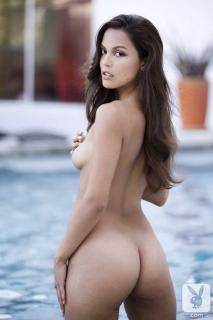 Raquel Pomplun en Playboy Desnuda [720x1080] [66.51 kb]