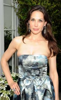 Claire Forlani [1864x3000] [607.75 kb]