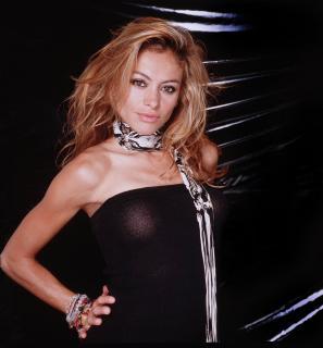 Paulina Rubio [2014x2163] [404.06 kb]