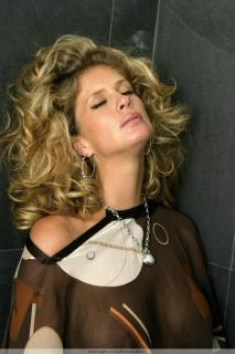 Rachel Hunter [683x1024] [92.17 kb]