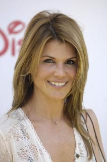 Lori Loughlin [1993x3000] [588.67 kb]