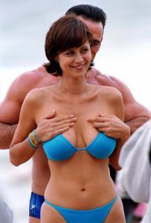 Catherine Bell in Bikini [1415x2081] [263.46 kb]
