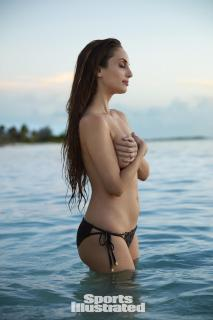 Alexa Ray Joel en Si Swimsuit 2017 [1280x1920] [216.78 kb]