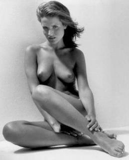 Sophie Anderton Desnuda [406x500] [18.89 kb]