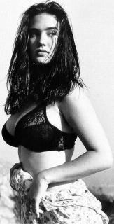 Jennifer Connelly [406x794] [66.18 kb]
