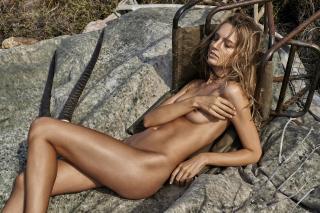 Maya Stepper en Treats! Magazine Desnuda [1500x1001] [519.1 kb]