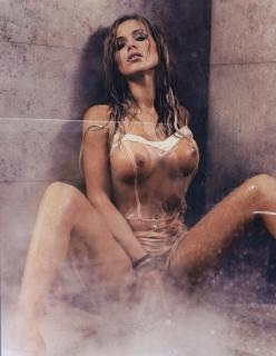 Doda en Playboy Desnuda [1147x1479] [396.98 kb]