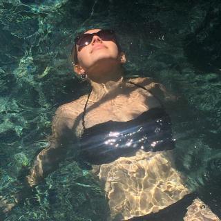 Sadie Calvano en Bikini [1080x1080] [246.41 kb]